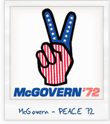 George McGovern 1972 Hand Peace Sign Presidential Campaign T-Shirt